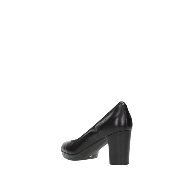 Daniela Rossi Cleavage And Heeled Shoes Black