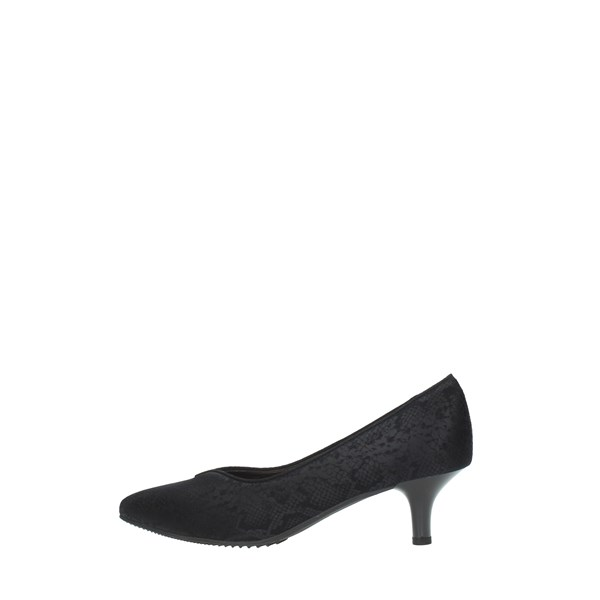 Brunate Cleavage And Heeled Shoes Black