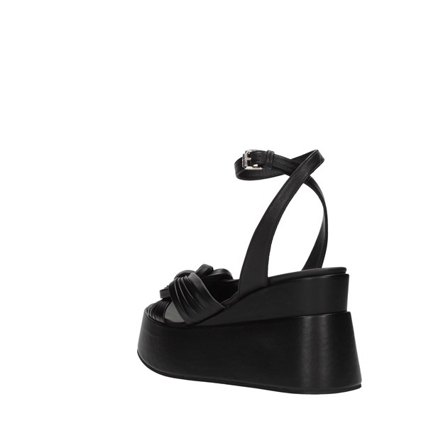 Strategia Wedge Sandals
