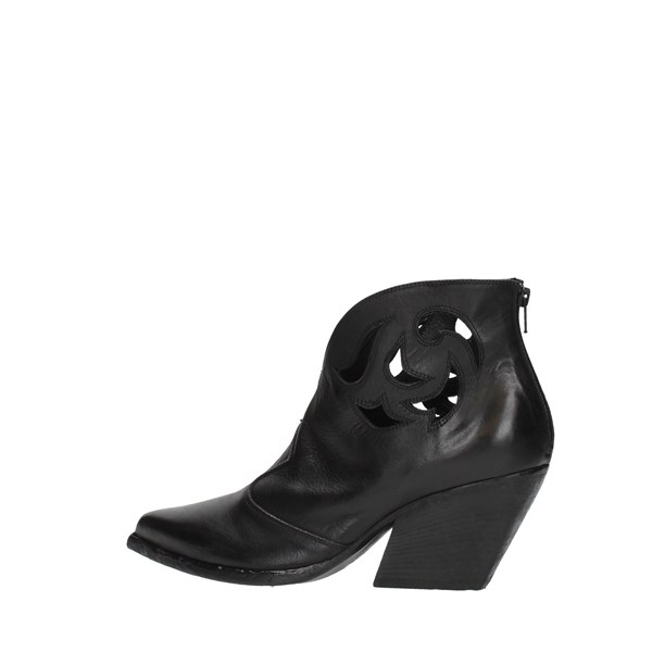 Strategia Booties Black