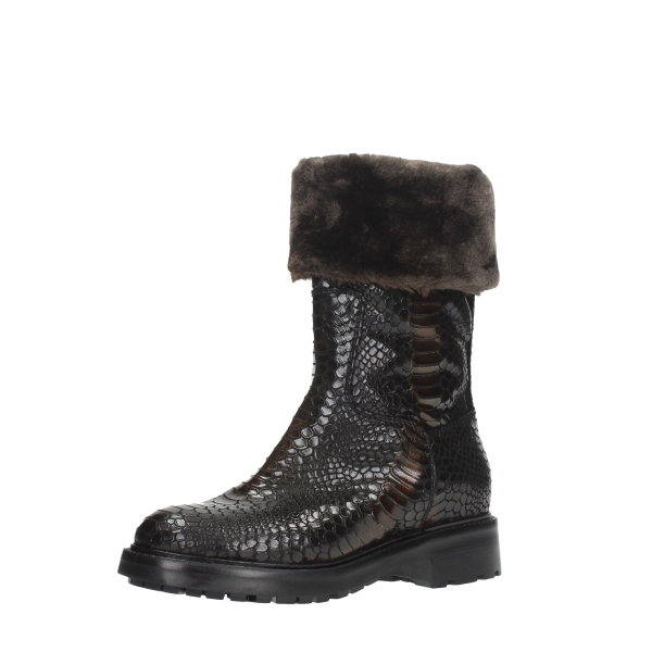 Strategia Shoes Women Boots Brown A4199