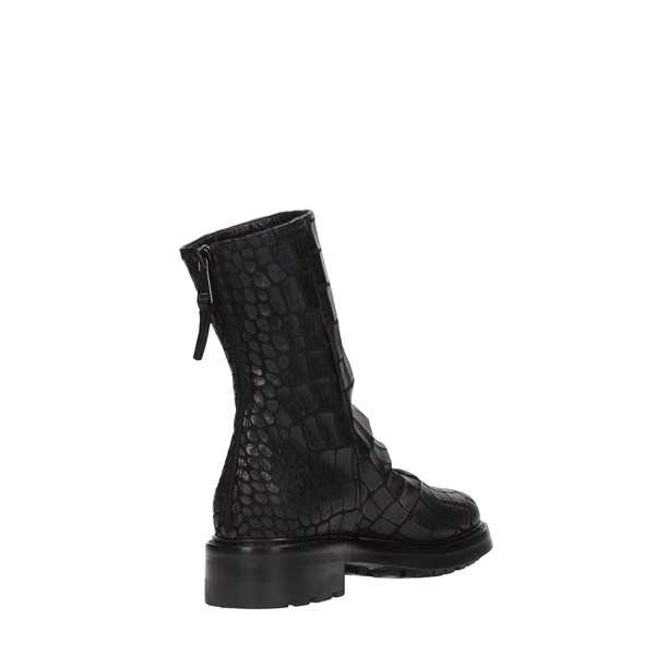 Strategia Shoes Women Booties Black A4641K